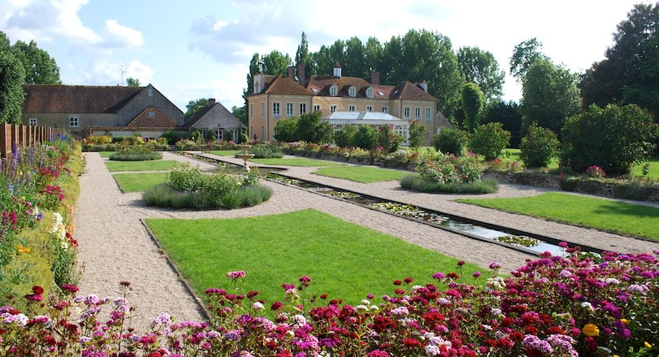 Grounds and garden feature